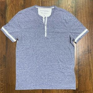 Banana Republic The Vintage Tee 1/4 Button Shirt
